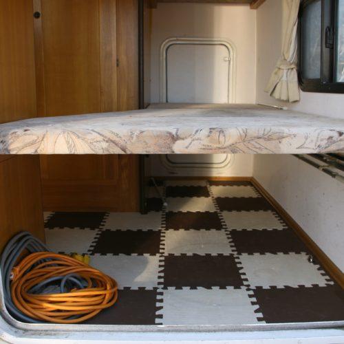 ベッド下収納スペースも沢山の荷物が収納可能となっております!