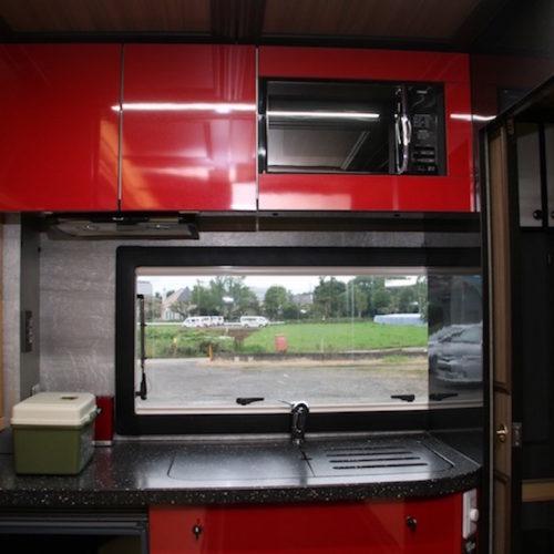 キッチンスペースは、シンク、電子レンジが装備されています!