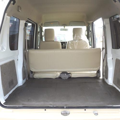 トランクは収納力抜群でたくさん買い物されても安心できます。
