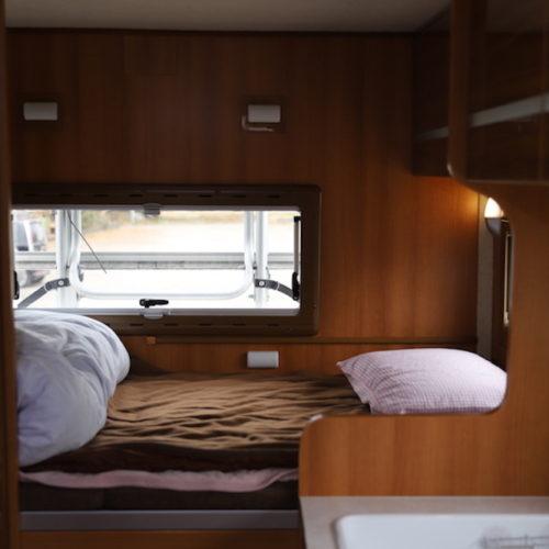 後部ベッドスペースになります。
